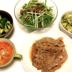 Jオイルミルズ 味の素 オリーブオイル エクストラバージン 600g 1セット | 味の素(オリーブオイル)を使ったクチコミ「夕ご飯😋 生姜焼き やみつききゅうり🥒 …」