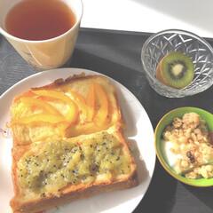 グリコ BifiXヨーグルト ほんのり甘い脂肪ゼロ 375g 6個   グリコ(ヨーグルト)を使ったクチコミ「おはようございます😄 休日の朝ご飯はゆっ…」