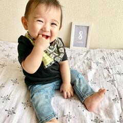 ねんね/初めての/生後8ヶ月/赤ちゃん 今は8ヶ月💕 離乳食も順調だし 最近では…