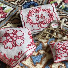 手作り/わたしの手作り/刺繍/レッドワーク/単色/ピンクッション/... レッドワーク刺繍で楽しく作業できるように…
