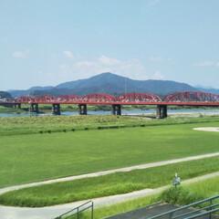 四万十川と赤い橋/四万十市/高知県 高知県へ行った時に、赤×緑×青のコントラ…