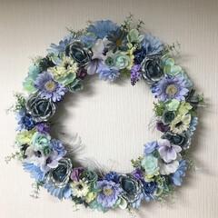 酷暑の中の涼/フラワーリース 結婚のお祝いのフラワーリースを頼まれてか…