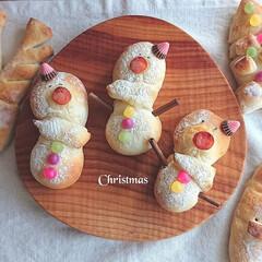 おうちパンマスター/おうちパン/クリスマス/パン/フォロー大歓迎 早々とクリスマス気分✨🎄✨  雪だるまの…(1枚目)