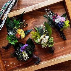 スワッグ/コサージュ/ハンドメイド/手作り/ハンドメイド雑貨/ハンドメイド作品/... 草花のコサージュ✨ スワッグのように花材…(1枚目)