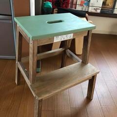 ターナーミルクペイント/ニス/ダイソー/インテリア/DIY/イケア IKEAのお安い踏み台をダイソーのニスと…