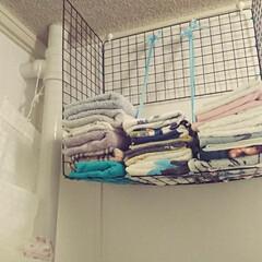 洗濯機置き場/インテリア/セリア/洗濯機/棚/ラック/... 賃貸なので壁に釘などはうてず、ほんの少し…