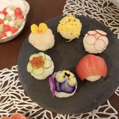 初節句/手毬寿司/ひなあられ/ひな祭り/桃の節句 手毬寿司とひなあられ♡