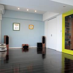 シンプル/ブルー/グリーン/色 /インナーサッシ/断熱/... 家具はほとんど置かない,ごくシンプルなイ…