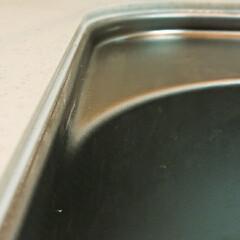 水垢対策/コーキング/キッチンシンク キッチンシンクと人工大理石の天板の隙間に…(2枚目)