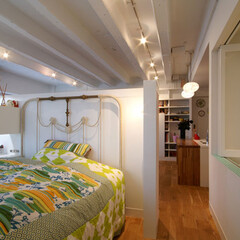 ベッドルーム/寝室 個室はつくらずワンルームに。ワークスペー…