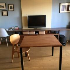 ホワイトオーク無垢材/リフォーム/リノベーション/ダイニングテーブル/鉄脚/アイアン脚/... アイアン脚のテーブルと後ろのカウンターテ…