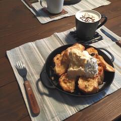 コーヒー/フレンチトースト/おうちカフェ/キッチン/キッチン収納/キッチン雑貨/... ランチでつくったフレンチトースト。 明日…