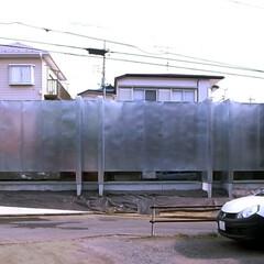 建築/建築家/住宅/金属/亜鉛メッキ鋼板/外観/... 西側(前面道路)から建物を見る