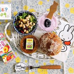 フォロー大歓迎/パン/ランチョンマット/キッチン雑貨/Francfranc/Q.B.Bベビーチーズ サラミ&バ.../...         9/9(水) 朝食 いが…
