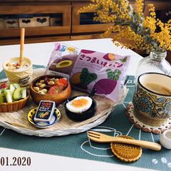 フォロー大歓迎/ナチュラルキッチン/Q.B.Bベビーチーズ ブラックペ.../LAWSONさつまいもパン/パン/至福の時間/...         4/1(水) 朝食  L…