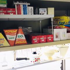 フォロー大歓迎/台所/キッチン/住まい/収納/ラップ収納/...  我が家のラップ収納キッチン流し台上の棚…
