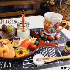 フォロー大歓迎/カルビー フルグラ糖質オフ/Q.B.Bベビーチーズ アンチョビ.../セブンイレブン チーズベーコンソフ.../Flying Tiger/リサ・ラーソン箸置き/...         4/13(月) 朝食  …