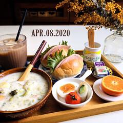 ナチュラルキッチン/ウッドトレイ/ミモザ/フォロー大歓迎/GEORGIA CAFE甘さひかえめ/ベビーチーズ サラミ&バジル/...        4/8(水) 朝食  ハム…