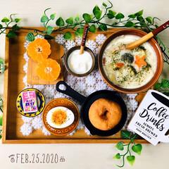 至福の時間/フォロー大歓迎/クリームシチュー/Q.B.Bベビーチーズ鉄分/ウッドトレイ/ナチュラルキッチン/...         2/25(火) 朝食  …