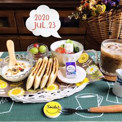 10個 カルビー フルグラ 糖質オフ 150g 賞味期限2020.07.09(シリアル)を使ったクチコミ「      7/23(木) 🏡おうちラン…」
