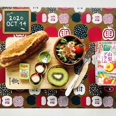 フォロー大歓迎/リミとも部/暮らし/至福の時間/パン/フライドオニオン/...        10/14(水) 朝食  …