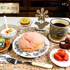 おうちごはん/至福の時間/食欲の秋/パン/フジパン りんごのメロンパン/シャンブル/...        10/24(木) 朝食  …(1枚目)