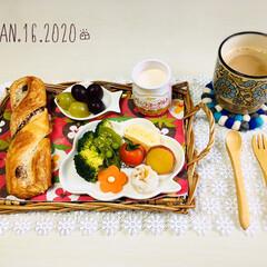 ネスカフェ エクセラ ふわラテ キャラメル 20P×2箱(インスタントコーヒー)を使ったクチコミ「        1/16(木) 朝食  …」