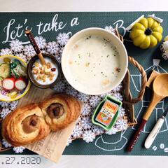 フォロー大歓迎/ハロウィン/ハロウィン雑貨/食欲の秋/パン/ナチュラルキッチン/...         9/27(日) 朝食  …