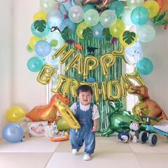 フォロー大歓迎/リミとも部/孫/誕生日プレゼント/1歳誕生日/おうちスタジオ/...  1か月前の孫🎂1歳の誕生日に息子とお嫁…