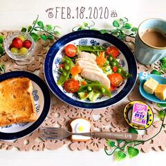 ネスカフェ エクセラ ふわラテ ネスレ NESCAFE | ネスカフェ(その他コーヒー)を使ったクチコミ「       2/18(火) 朝食  ヤ…」