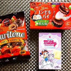 フォロー大歓迎/お菓子/チョコレート/FUJIYAホワイトミルキーチョコ.../期間限定/MORINAGA Miniエンゼル.../... 💛バリトンチョコクリーム(DAISO) …