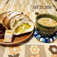 フォロー大歓迎/ぶどう/Q.B.Bベビーチーズ/ふわラテ/パン/鳴門金時芋フランス/...        9/24(木) 朝食  🍠…