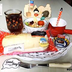 Flying Tiger/フォロー大歓迎/ひやしあめコップ/ファミーリマート/白いコッペパン(バニラ大福味)/ファミマのコッペパン/...        4/19(日) 朝食  フ…