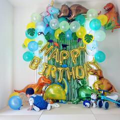 フォロー大歓迎/リミとも部/孫/誕生日プレゼント/1歳誕生日/おうちスタジオ/...  1か月前の孫🎂1歳の誕生日に息子とお嫁…(2枚目)