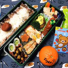 フォロー大歓迎/フタバ梅ふりかけ/マーコット/早川製菓むぎチョコいちご/ほうれん草とたまごのスープ/シルク/...        4/10(金) 主人弁当🍱…