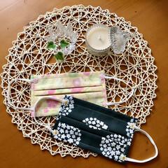 手作りマスク/リース/桜/ダイソー/セリア/雑貨/... 玄関を桜色にしました🌸🍃  桜のイメージ…(2枚目)