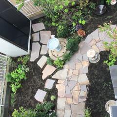 石張り乱形/石張り小路/シェード/雑木ガーデン/ナチュラルガーデン/庭リフォーム/... 2階からのフォトです。 全体像、分かりま…(3枚目)