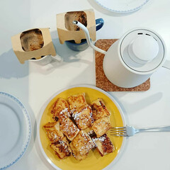 朝ごはん/電気ケトル/至福の時間/食器/キッチンキッチン/コーヒー/... 主人の作ったフレンチトーストです✨ 本当…