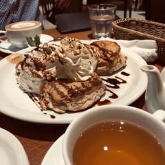 ダージリンティー/カフェラテ/ティラミス/パンケーキ/至福のひととき/おやつタイム/... ティラミスパンケーキ を 食べました🥞 …
