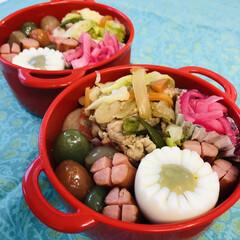 暑い/豚肉/ピーマン/玉ねぎ/キャベツ/こんにゃく/... 今日のお弁当  昨日、回鍋肉を 作る💪っ…