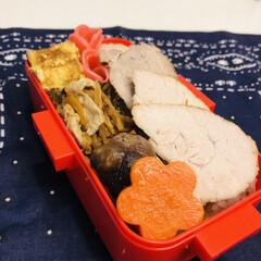 娘弁当/お弁当/豚ももブロック/ラディッシュ/卵焼き/おうちごはんクラブ/... 今日のお弁当  煮豚 高野豆腐煮物(人参…