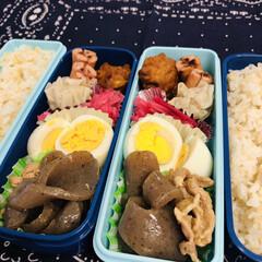 唐揚げ/焼売/こんにゃく/ゆで卵/娘弁当/紫玉ねぎ/... 今日のお弁当  唐揚げ こんにゃくと豚こ…