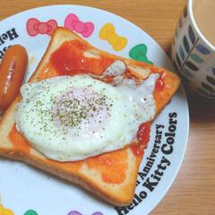 ウインナー/目玉焼き/トースト/朝食/朝ごはん あさごはん😋🍴💗