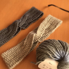 編みあみ/ほっこり/お友だち/趣味/冬/手編み/... ヘアバンド編み上げました☆  お友だちへ…