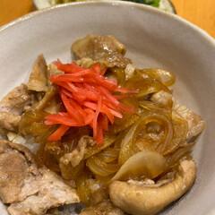 玉ねぎたっぷり/いただいたタレ/お夕飯/今日は豚丼/キッチン 今日は豚丼☆  いただいたタレで豚丼♪ …