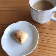 トースター/スコーン/カップ/お皿/栗原はるみ/お茶/... 今日もカフェオレ☆  トースターで温めた…