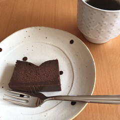 ケーキ/生チョコ/スイーツ/ハンドメイド/セリア かおチャン さんのレシピで生チョコケーキ…