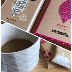フランボワーズ/鮮烈な香り/ジャスミンティー/清らかに香る/ひょうたん型/木のコースター/... チョコっと3時のコーヒー☆  meiji…