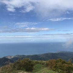 海/空/佐渡ヶ島/米山/登山/山/... 空〜と海と〜の間には〜♪  昨年登った米…