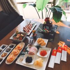 宮崎/おせち料理/あけおめ/おうちごはん/ごはん ゆず、松の葉、南天の葉 庭のです。☺️